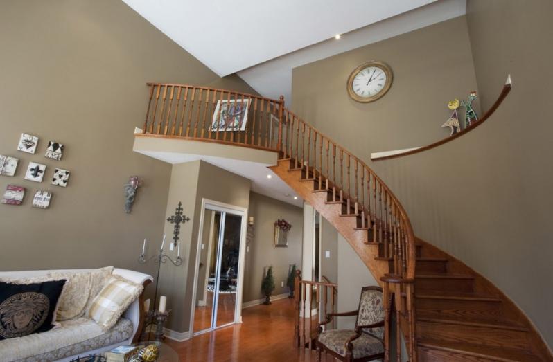 image of stairway lighting